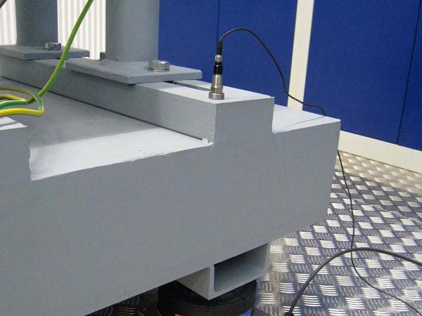 PLM - Luftfederelemente optimieren Pumpenprüfstand