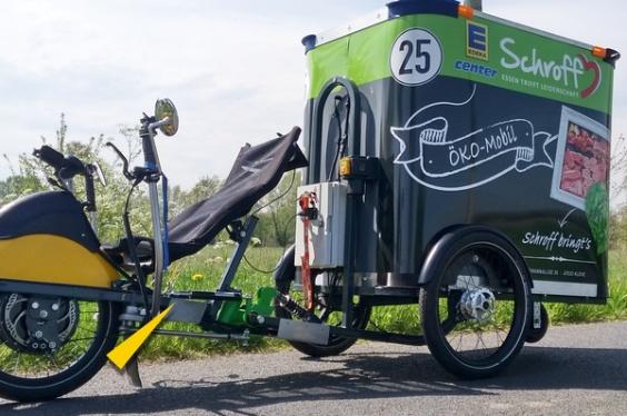 Die von ACE für E-Lastenfahrräder gelieferten hydraulischen Bremszylinder sind in Druck- bzw. Zugkraft von 30 N bis zu 3.000 N variabel justierbar und beruhigen das Fahrwerk, dienen der Sicherheit und steigern den Komfort bei dieser Liegefahrrad-Konstruktion.